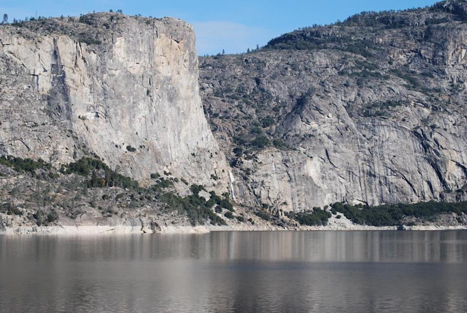 <p>The grey, granite cliffs at Yosemite National Park tower thousands of feet above the valley floor and are a sight to behold. Thanks to the diverse of routes and year-round accessibility, it's also one of the world's most popular climbing destinations, with El Capitan being a firm favourite. (Photo: Flickr / Matt Koontz)</p>