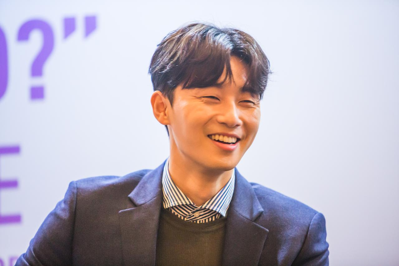 <p>South Korean star Park Seo-jun meets the media at a press conference on Friday (3 November), at Hotel Intercontinental in Singapore. (Photo: Norman Ng for Yahoo Lifestyle Singapore)</p>