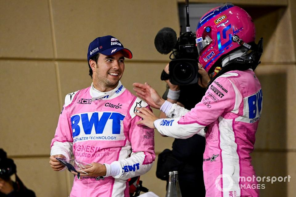 "Sergio Pérez, Racing Point, 1ª posición, y Lance Stroll, Racing Point, 3ª posición, celebran en Parc Ferme<span class=""copyright"">Mark Sutton / Motorsport Images</span>"
