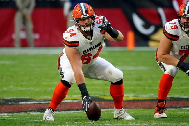 Browns starting C Tretter returns to practice after surgery