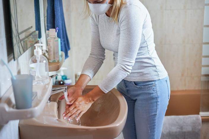 There are many steps you can take to make the process of letting someone use your bathroom safer. (Photo: Niccoló Pontigia / EyeEm via Getty Images)