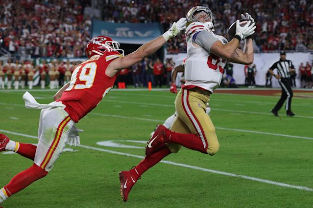 MIAMI, FLORIDA - FEBRUARY 02: George Kittle #85 of the San Francisco 49ers makes a reception against the Kansas City Chiefs during the second quarter in Super Bowl LIV at Hard Rock Stadium on February 02, 2020 in Miami, Florida. (Photo by Jamie Squire/Getty Images)