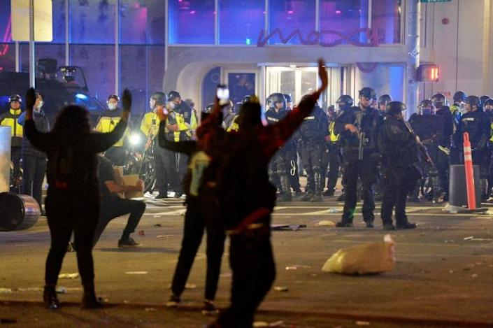 Police clash with protesters after a demonstration in Boston (AFP Photo/Joseph Prezioso)