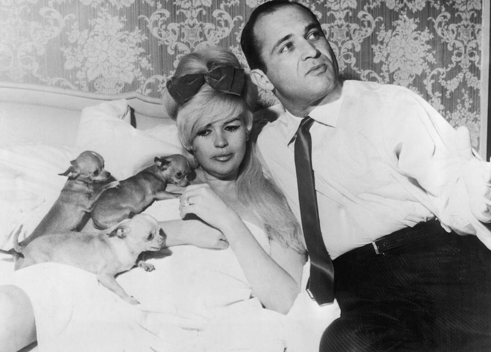 <p>Mansfield became romantically involved with the lawyer for her divorce proceedings, Sam Brody. The couple moved in with one another in July 1966. </p>
