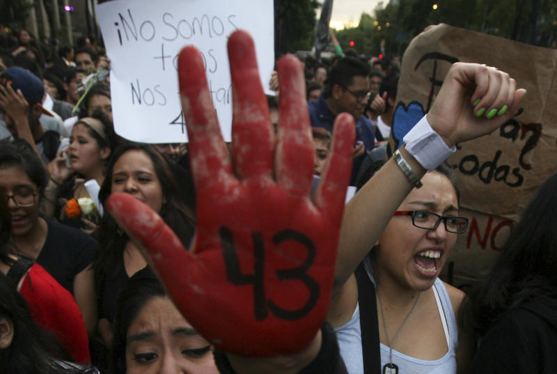 Groups call on Mexico to continue search for 43 students