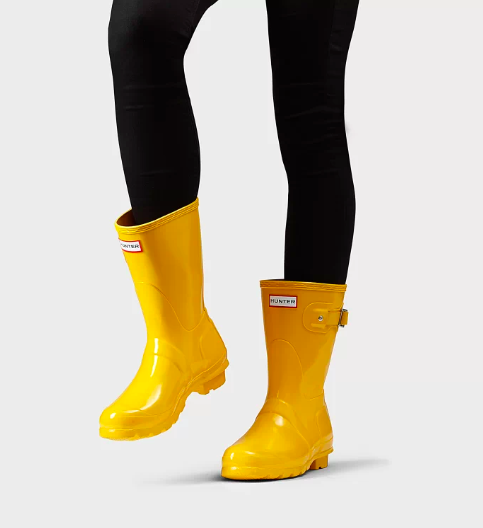 Hunter Original Short Gloss Waterproof Rain Boot. Image via hunterboots.com