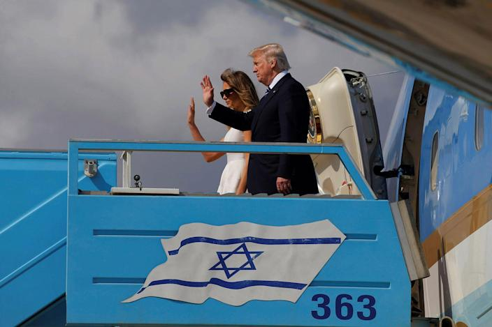 <p>U.S. President Donald Trump and first lady Melania Trump boards Air Force One to travel to Rome from Ben Gurion International Airport in Tel Aviv, Israel May 23, 2017. (Jonathan Ernst/Reuters) </p>