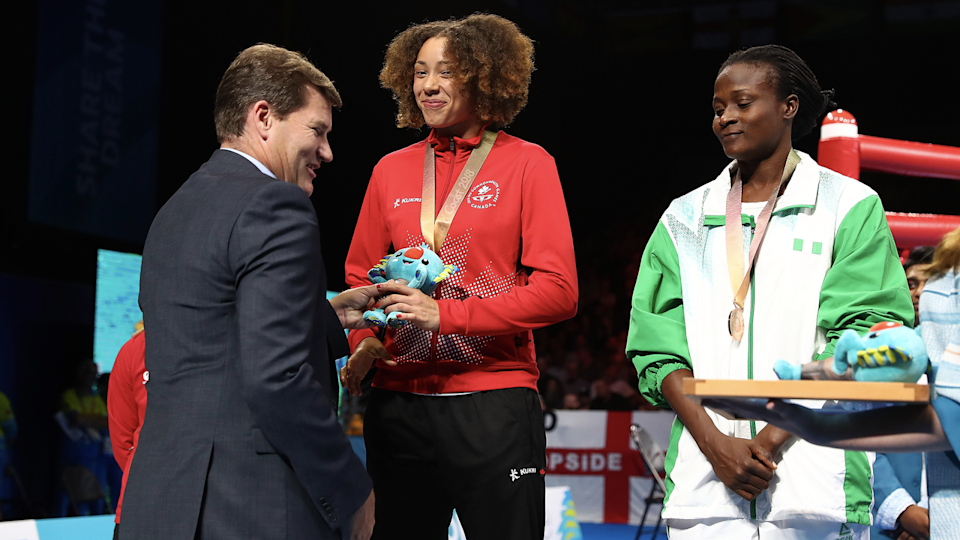 Thibeault, left, took home bronze at the 2018 Commonwealth Games. (Getty Images)