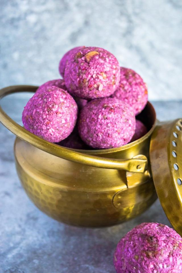 "<p>It only takes a handful of healthy ingredients to make these bright pink (and totally kid-approved!) raspberry energy balls.</p><p><strong>Get the recipe at </strong><strong><a rel=""nofollow"" href=""https://cookilicious.com/appetizers_snacks/vegan-no-bake-raspberry-energy-bites/"">Cookilicious.</a></strong></p>"
