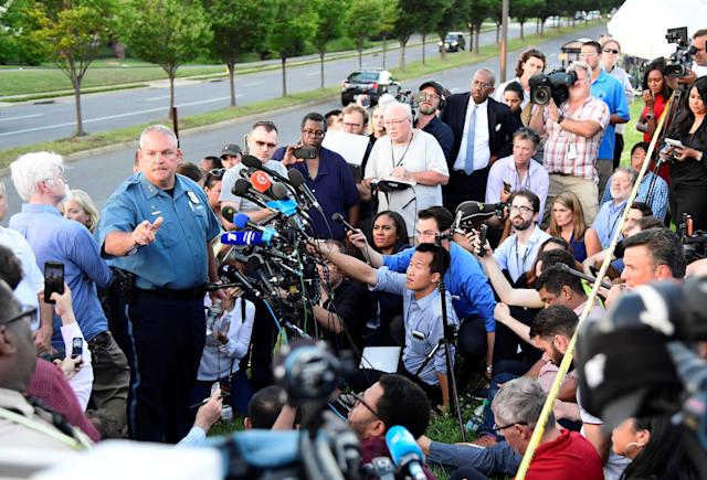 <p>A police officer speaks to the media near the scene of a mass shooting in Annapolis, Md., on June 28, 2018. (Photo: Yang Chenglin/Xinhua via ZUMA Wire) </p>