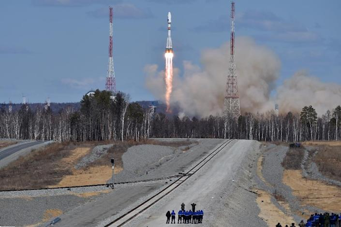 A Russian Soyuz 2.1a rocket, carrying Lomonosov, Aist-2D and SamSat-218 satellites, lifts off from the launch pad of the new Vostochny cosmodrome outside the city of Uglegorsk, in Russia's far eastern Amur region, on April 28, 2016 (AFP Photo/Kirill Kudryavtsev)