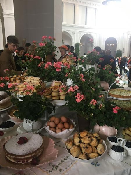 Tory Burch treated her guests to a gargantuan breakfast at the Brooklyn Museum