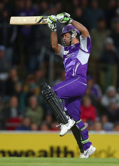 Ricky Ponting of the Hurricanes bats during the Big Bash League match between the Hobart Hurricanes and the Perth Scorchers at Blundstone Arena on January 1, 2013 in Hobart, Australia.  (Photo by Robert Cianflone/Getty Images)