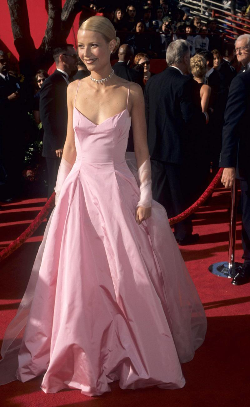 This iconic pink Ralph Lauren dress is straight out of a fairytale. There&rsquo;s a reason why it&rsquo;s often simply referenced to as<i>&nbsp;that</i>&nbsp;pink Oscars dress.