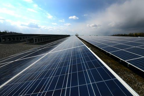 """<span class=""""caption"""">Could solar power provide an alternative energy source for the web?</span> <span class=""""attribution""""><a class=""""link rapid-noclick-resp"""" href=""""https://upload.wikimedia.org/wikipedia/commons/0/0f/Solar_power_generation_-_Flickr_-_minoru_karamatsu%EF%BC%88%E6%9F%84%E6%9D%BE%E7%A8%94%EF%BC%89.jpg"""" rel=""""nofollow noopener"""" target=""""_blank"""" data-ylk=""""slk:Wikimedia Commons"""">Wikimedia Commons</a>, <a class=""""link rapid-noclick-resp"""" href=""""http://creativecommons.org/licenses/by/4.0/"""" rel=""""nofollow noopener"""" target=""""_blank"""" data-ylk=""""slk:CC BY"""">CC BY</a></span>"""