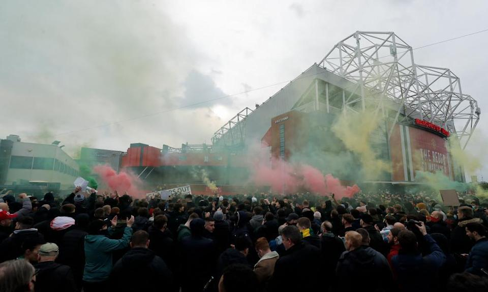 Manchester United fans protest against the Glazers before the game against Liverpool.