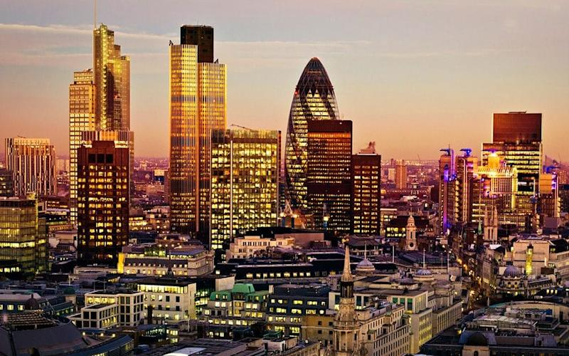 Hogan Lovells is one of the City of London's biggest law firms - QQ7