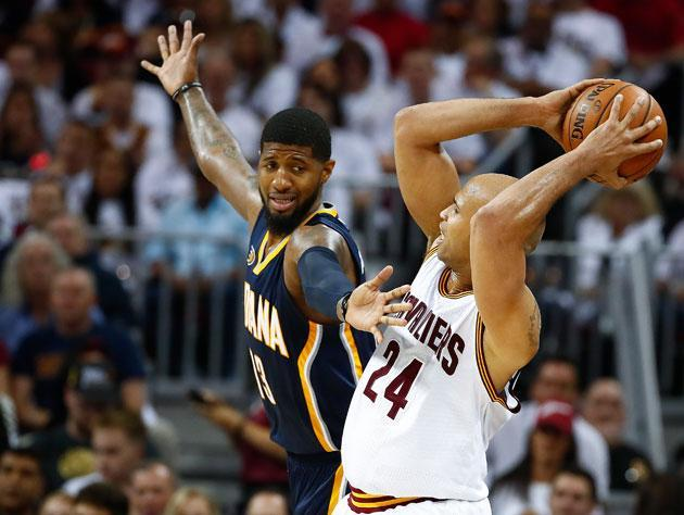 """<a class=""""link rapid-noclick-resp"""" href=""""/nba/players/4725/"""" data-ylk=""""slk:Paul George"""">Paul George</a> can't believe it's <a class=""""link rapid-noclick-resp"""" href=""""/nba/players/3523/"""" data-ylk=""""slk:Richard Jefferson"""">Richard Jefferson</a>, either. (Getty Images)"""