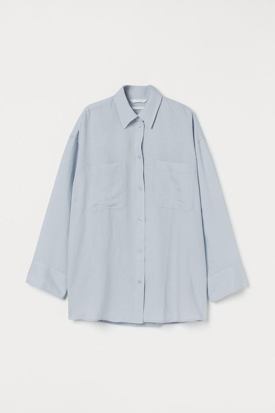 """<p><strong>H&M</strong></p><p>hm.com</p><p><strong>$29.99</strong></p><p><a href=""""https://go.redirectingat.com?id=74968X1596630&url=https%3A%2F%2Fwww2.hm.com%2Fen_us%2Fproductpage.0991823001.html&sref=https%3A%2F%2Fwww.harpersbazaar.com%2Ffashion%2Ftrends%2Fg37184495%2Foversize-button-down-shirts%2F"""" rel=""""nofollow noopener"""" target=""""_blank"""" data-ylk=""""slk:Shop Now"""" class=""""link rapid-noclick-resp"""">Shop Now</a></p><p>A oversized fit so nice, we fully support buying it twice.</p>"""