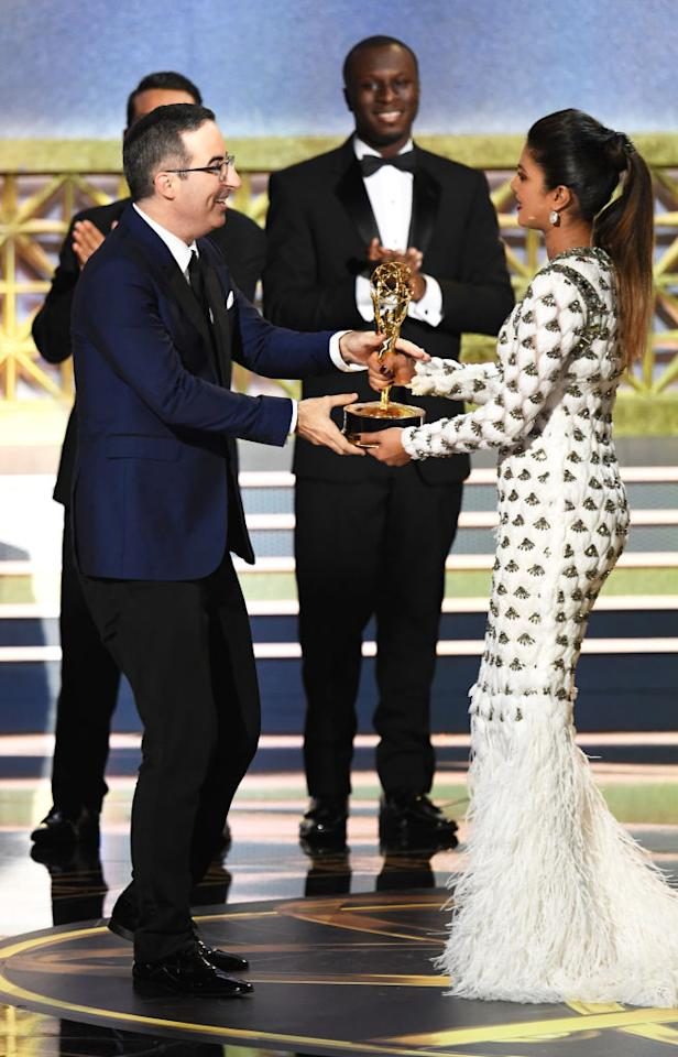<p>Priyanka's look for Emmy 2017 has won her a place in Elle's best dressed for Emmys list. </p>