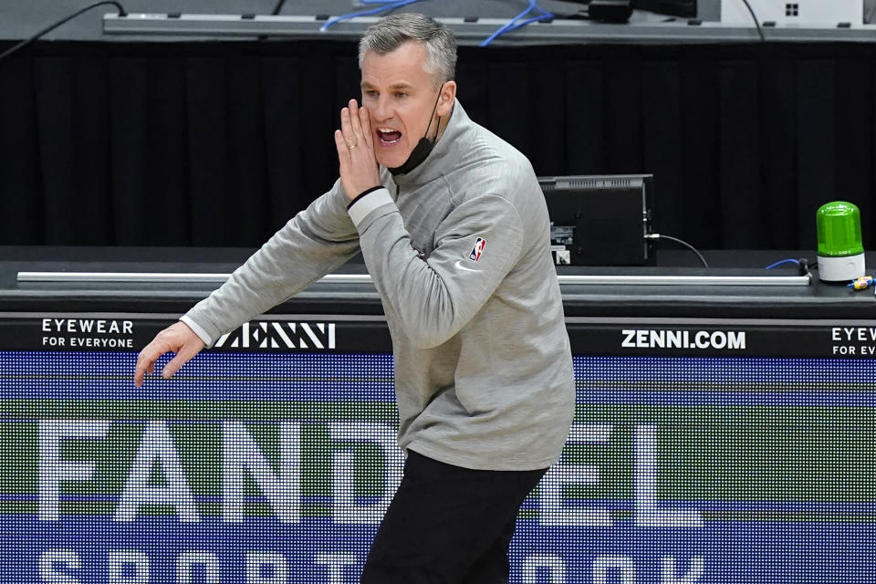 Chicago Bulls head coach Billy Donovan talks to his team during the second half of an NBA basketball game against the Cleveland Cavaliers in Chicago, Wednesday, March 24, 2021. (AP Photo/Nam Y. Huh)