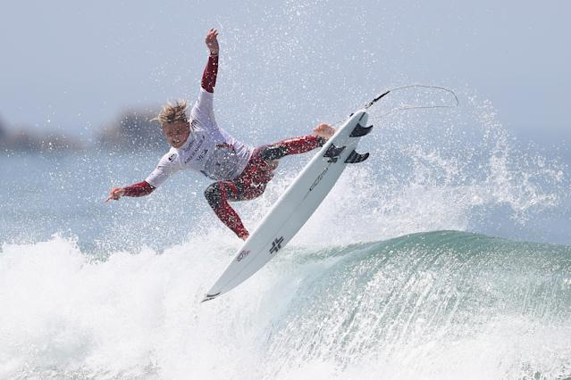 20 men and 20 women will be entered in different surfing competitions. (Credit: Getty Images)