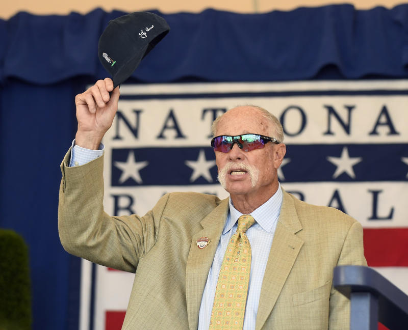 Goose Gossage goes off on Yankees GM Brian Cashman after he didn't get an invite to spring training. (AP)