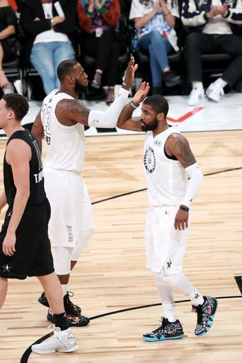 LOS ANGELES, CA - FEBRUARY 18: LeBron James #23 and Kyrie Irving #11 of Team LeBron high five during the game against Team Stephen during the NBA All-Star Game as a part of 2018 NBA All-Star Weekend at STAPLES Center on February 18, 2018 in Los Angeles, California. (Photo by Joe Murphy/NBAE via Getty Images)