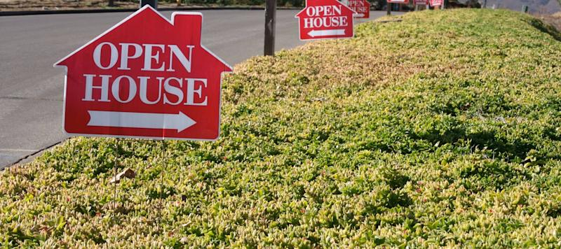 Low Mortgage Rates Could Mean a Busy Weekend for Borrowing