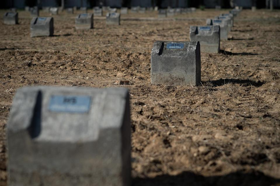 Unmarked graves are seen in the Bang Muang tsunami victim cemetery, in Phang Nga southwestern Thailand, December 4, 2014 (AFP Photo/Nicolas Asfouri)