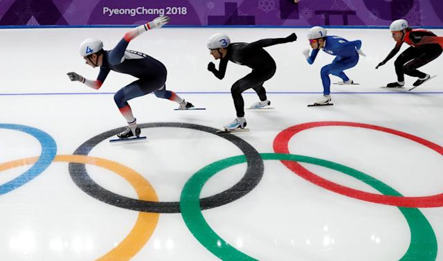 Speed Skating - Pyeongchang 2018 Winter Olympics - Men's Mass Start semifinal - Gangneung Oval - Gangneung, South Korea - February 24, 2018 - Athletes compete. REUTERS/Damir Sagolj TPX IMAGES OF THE DAY