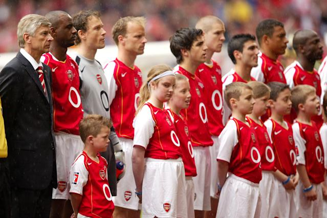 Reyes lines up alongside team-mates before the 2005 FA Cup final against fierce rivals Manchester United (Photo by Mike Egerton - EMPICS/PA Images via Getty Images)