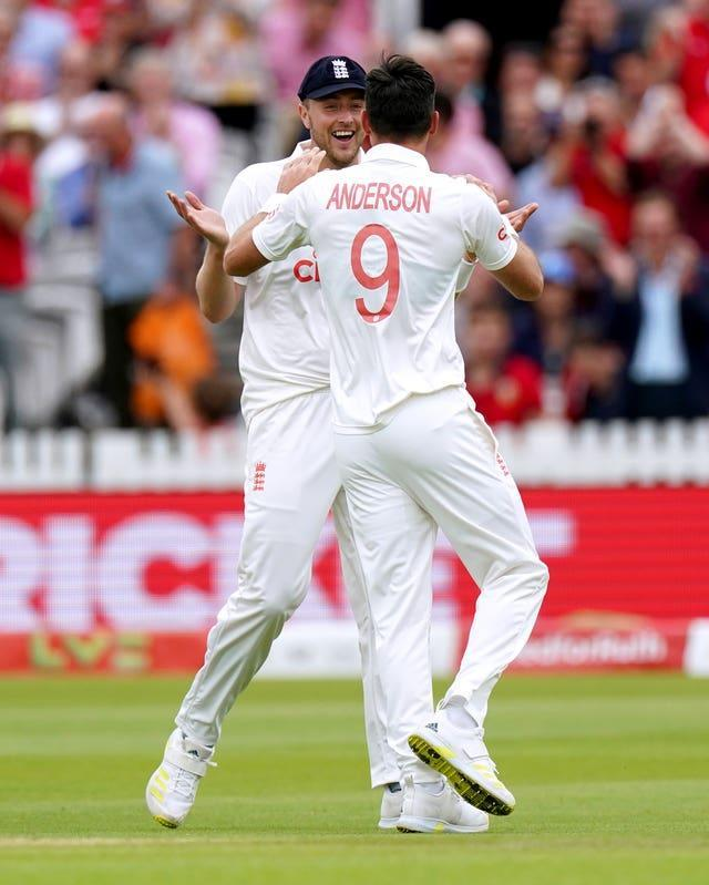 James Anderson (right) and Ollie Robinson look set to lead England's attack again