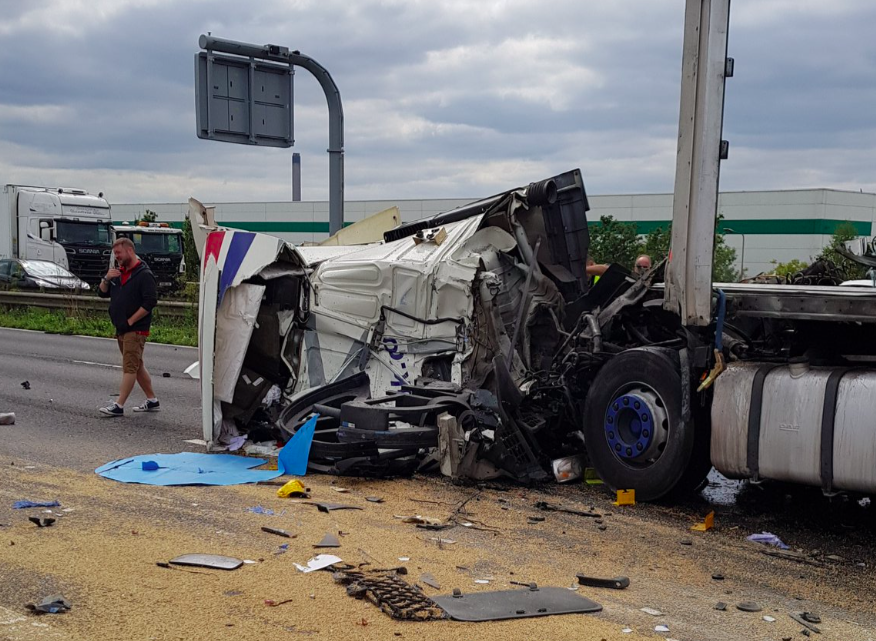 <em>The overturned lorry closed the Dartford Crossing for hours (Twitter/@Torontogill)</em>
