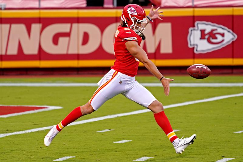 Watch: Chiefs execute fake punt against lowly Jets