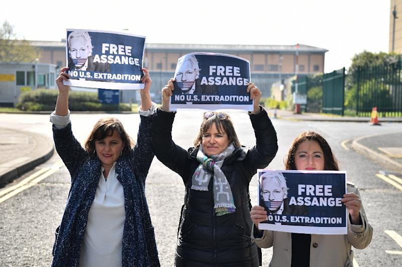The German and Spanish lawmakers had been due to meet Assange in Ecuador's embassy, but protested outside his prison instead following his arrest (AFP Photo/Daniel LEAL-OLIVAS)