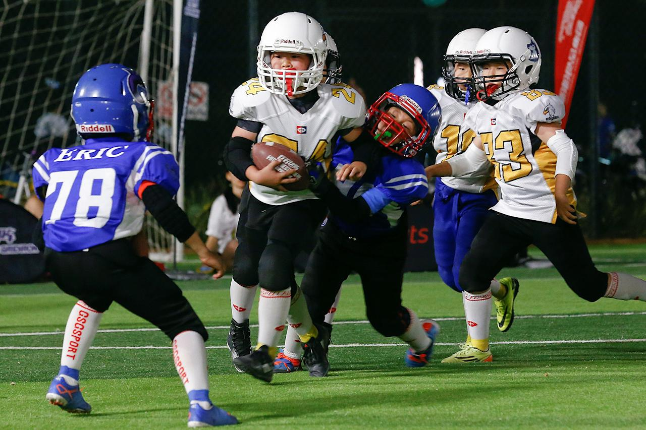 china 39 s friday night lights chinese youth tackle american football. Black Bedroom Furniture Sets. Home Design Ideas