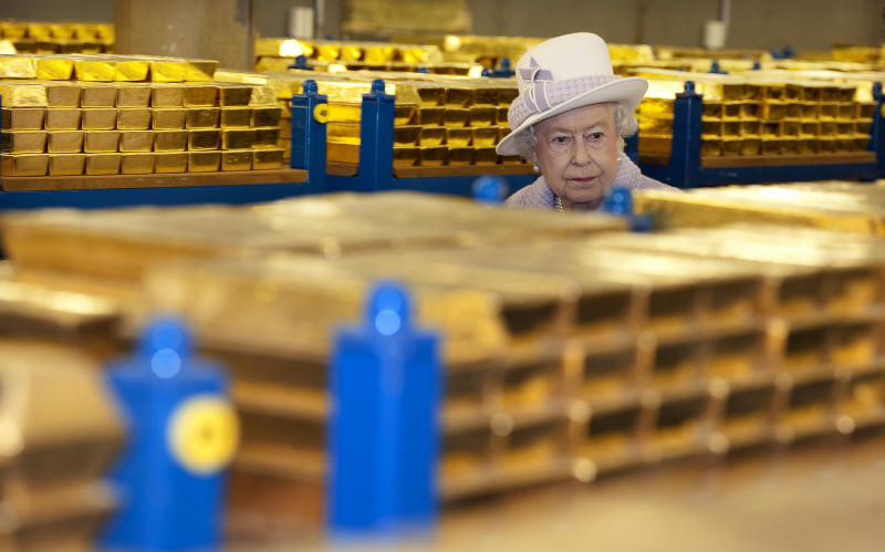 Financial crisis explained to Queen Elizabeth II