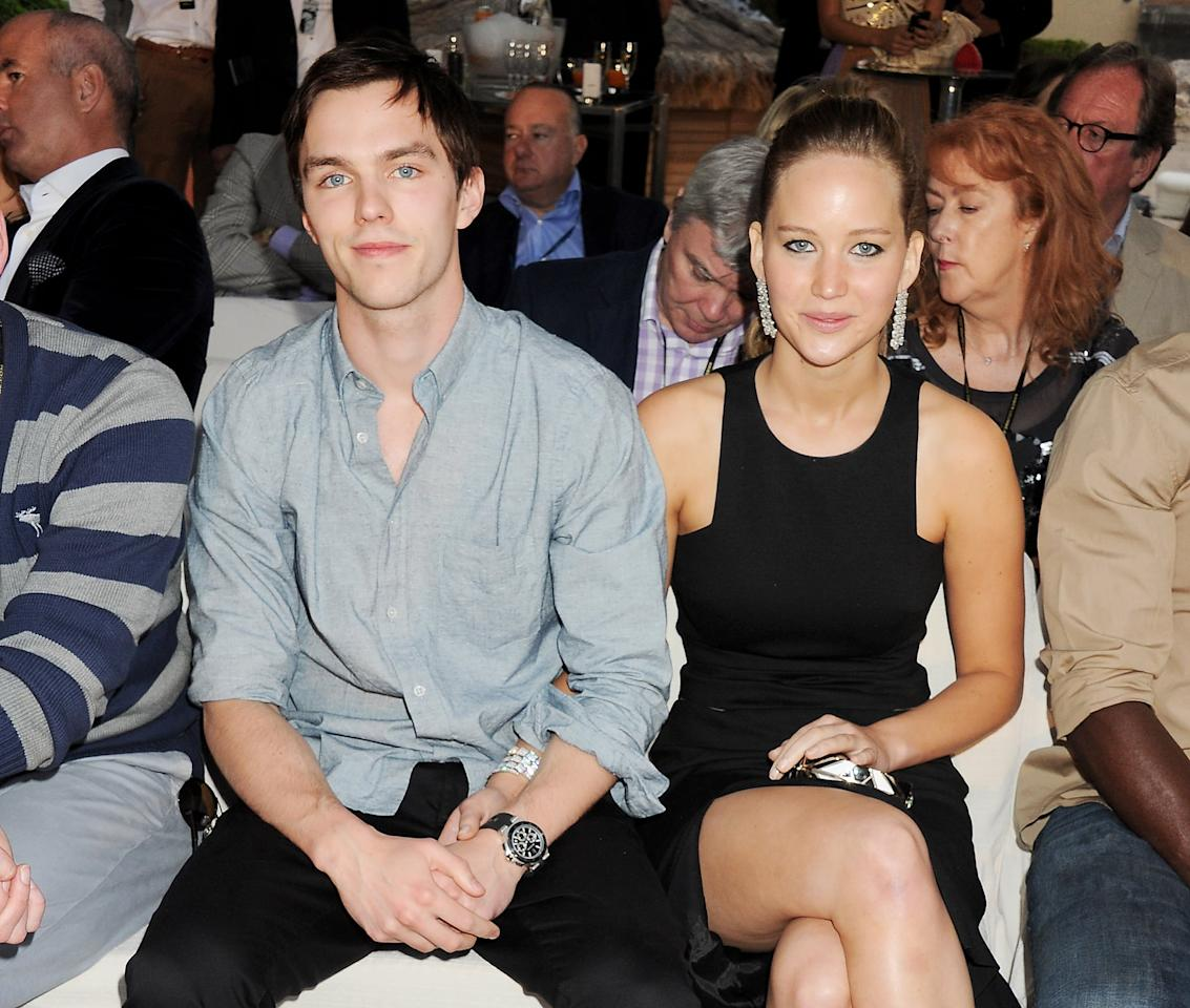 """<p>After meeting on the set of <strong>X-Men: First Class</strong> in 2010, Jen and Nicholas struck up a romance. They dated until 2013, briefly split up, reconciled, and then <a href=""""https://www.popsugar.com/celebrity/Jennifer-Lawrence-Nicholas-Hoult-Break-Up-2014-35386550"""" target=""""_blank"""" class=""""ga-track"""" data-ga-category=""""Related"""" data-ga-label=""""http://www.popsugar.com/celebrity/Jennifer-Lawrence-Nicholas-Hoult-Break-Up-2014-35386550"""" data-ga-action=""""In-Line Links"""">called it quits for good</a> while filming <strong>X-Men: Days of Future Past</strong> in 2014. There seems to be no bad blood between these two, though, as they were <a href=""""https://www.popsugar.com/celebrity/Jennifer-Lawrence-Nicholas-Hoult-Golden-Globes-2016-39753277"""" target=""""_blank"""" class=""""ga-track"""" data-ga-category=""""Related"""" data-ga-label=""""http://www.popsugar.com/celebrity/Jennifer-Lawrence-Nicholas-Hoult-Golden-Globes-2016-39753277"""" data-ga-action=""""In-Line Links"""">spotted having a friendly chat</a> at the 2016 Golden Globes.</p>"""