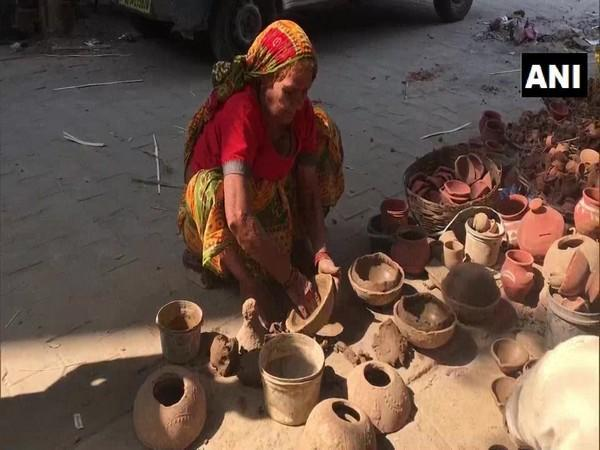 Potters are not very hopeful about Diwali sale due to pandemic rules in Ghaziabad, Uttar Pradesh. (Photo/ANI)