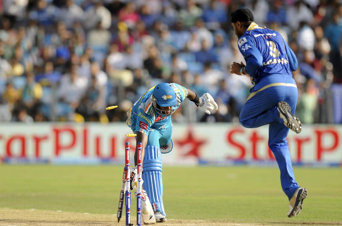Angelo Mathews of Pune Warriors gets run out by a direct hit by Sachin Tendulkar of Mumbai Indians during match 58 of the Pepsi Indian Premier League ( IPL) 2013  between The Pune Warriors India and the Kolkata Knight Riders held at the Subrata Roy Sahara Stadium, Pune on the 11th May 2013. (BCCI)