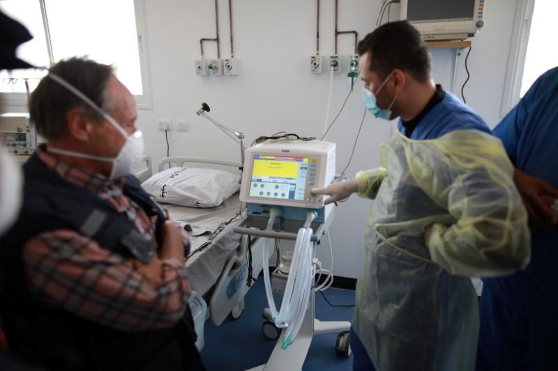 Israel links coronavirus aid for Gaza to recovering soldiers