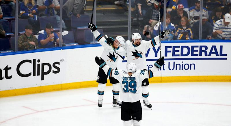 A subdued goal celebration for Erik Karlsson. (Getty)