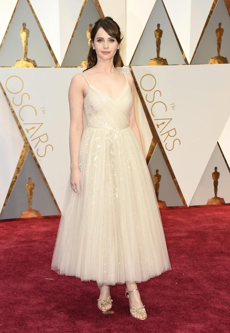 <p>Actress Felicity Jones arrives at the Oscars on Sunday, Feb. 26, 2017, at the Dolby Theatre in Los Angeles. (Photo by Jordan Strauss/Invision/AP) </p>