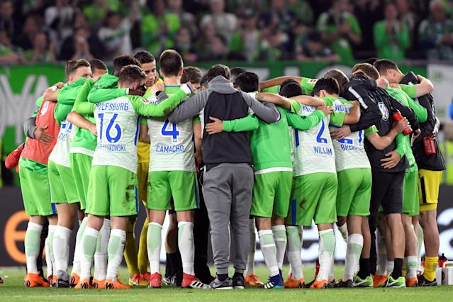 Soccer Football - Bundesliga Promotion/Relegation Playoff First leg - VfL Wolfsburg v Holstein Kiel - Volkswagen Arena, Wolfsburg, Germany - May 17, 2018 Wolfsburg players huddle after the match REUTERS/Fabian Bimmer DFL RULES TO LIMIT THE ONLINE USAGE DURING MATCH TIME TO 15 PICTURES PER GAME. IMAGE SEQUENCES TO SIMULATE VIDEO IS NOT ALLOWED AT ANY TIME. FOR FURTHER QUERIES PLEASE CONTACT DFL DIRECTLY AT + 49 69 650050