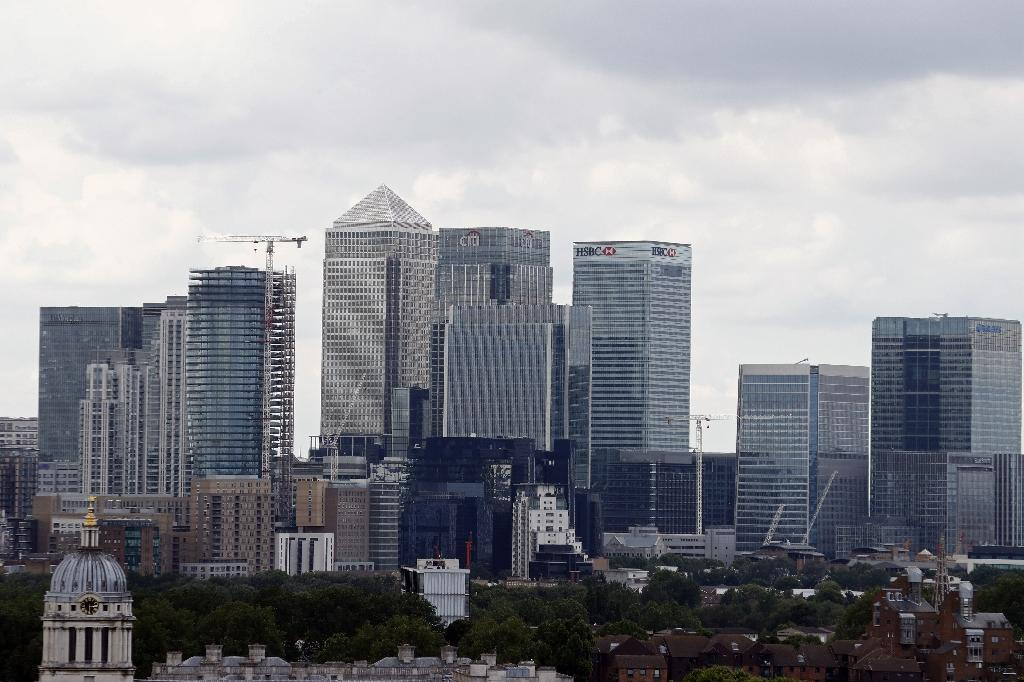 HSBC, Citigroup, JPMorgan Chase, Barclays, and other global banking corporations currently have their European headquarters based at London's Canary Wharf (AFP Photo/Odd Andersen)