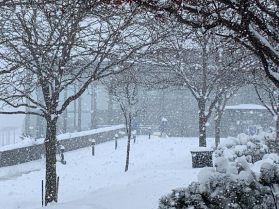 More snow ahead for the weekend, amid continued cold temperatures