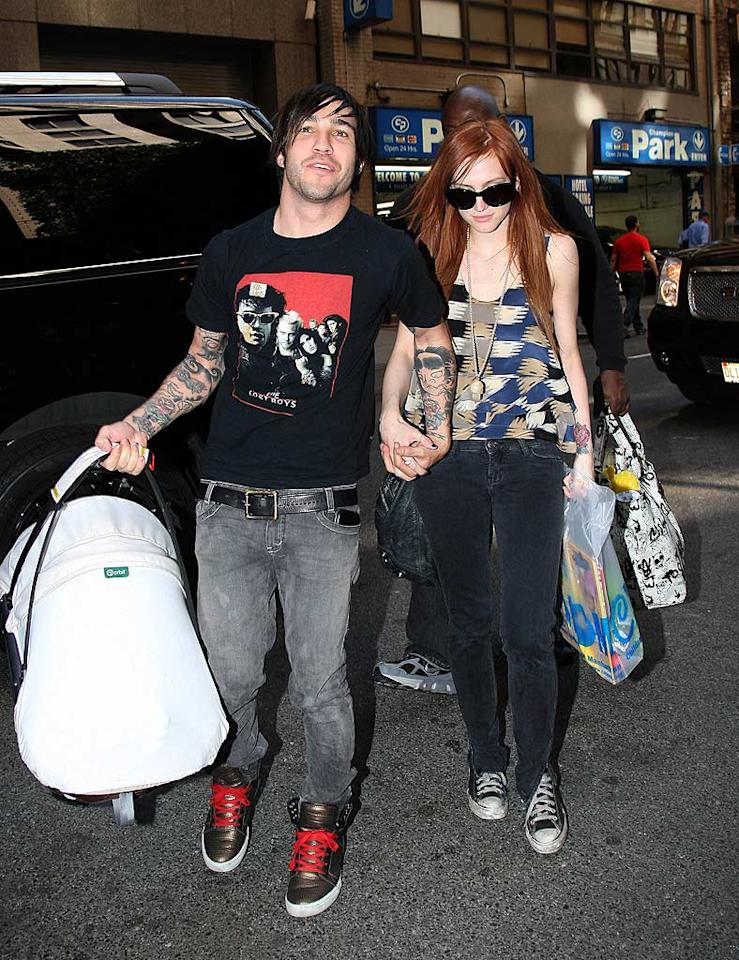 "Pete Wentz, Ashlee Simpson, and their baby boy, Bronx, head back to their hotel after spending an afternoon -- and some money -- at the Children's Museum of Manhattan. Daniel/<a href=""http://www.infdaily.com"" target=""new"">INFDaily.com</a> - May 21, 2009"