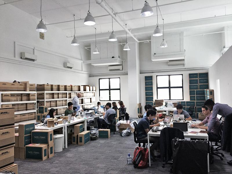 men ecommerce office