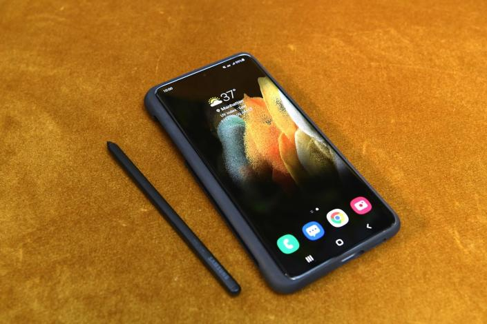 Galaxy S21 Ultra now works with the S Pen stylus. - Credit: Samsung